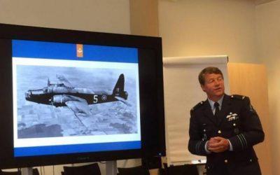 NOS, 17 juni 2016 – Stukje IJsselmeer drooggelegd voor berging vliegtuigwrak