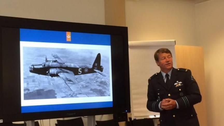 NOS, June 17, 2016 – Stukje IJsselmeer drooggelegd voor berging vliegtuigwrak