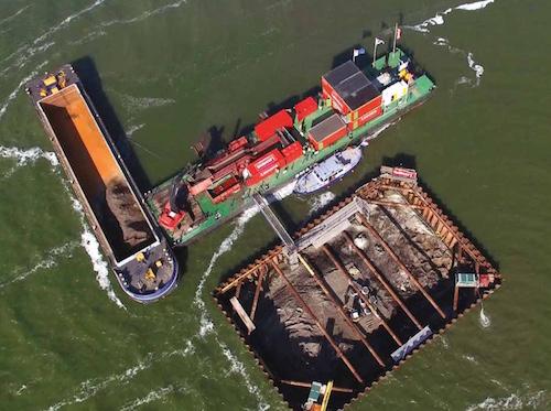 RTLnieuws, June 17, 2016 – Stukje IJsselmeer drooggelegd voor vliegtuigwrak uit WOII